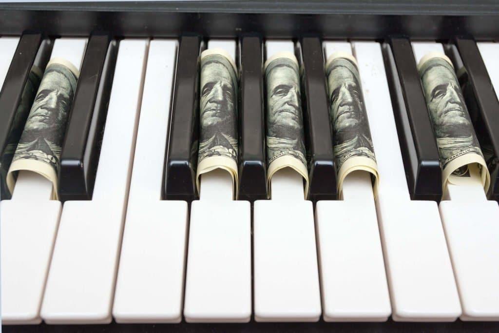 piano-money